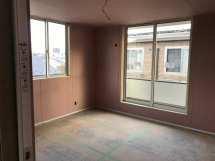 窓と天井のラインが揃ってカッコいいです。郡山市開成| 郡山市 新築住宅 大原工務店のブログ