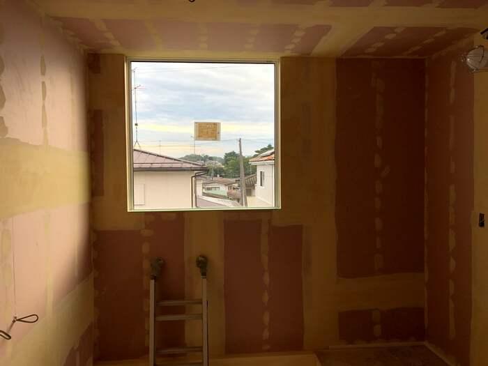大原工務店で新築注文住宅建築中I様邸、パテを塗ってます。郡山市喜久田町| 郡山市 新築住宅 大原工務店のブログ