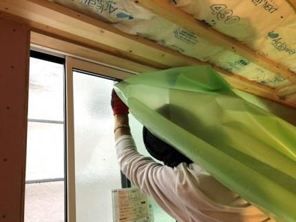 天井の気密シートの施工です。