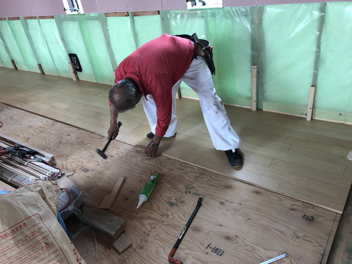 朝日ウッドテックの床板施工です。|郡山市 新築住宅 大原工務店のブログ