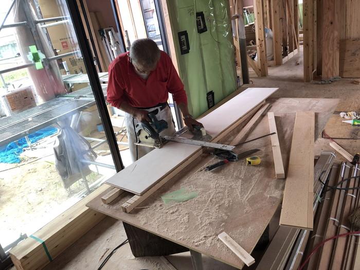 床板をカットします。|郡山市 新築住宅 大原工務店のブログ