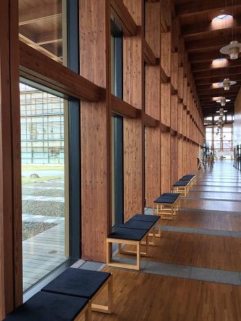 郡山市日和田町「福島県農業総合センター」廊下