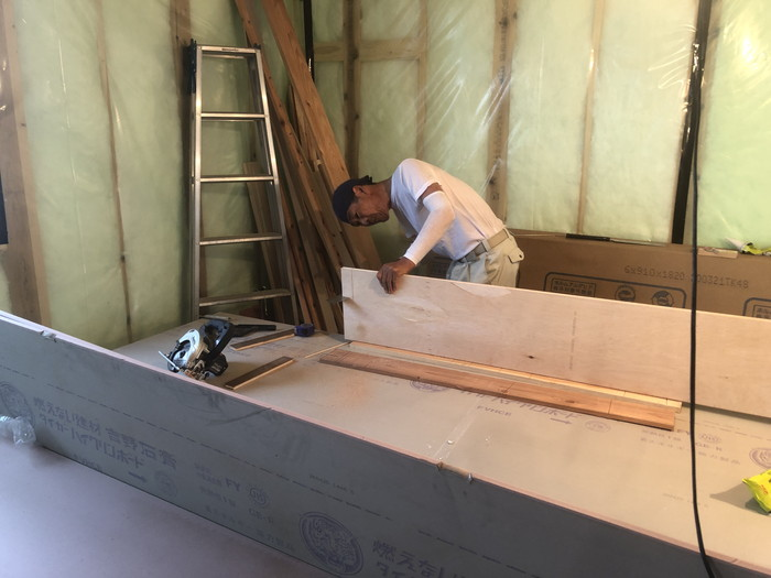フローリングを張りです。|郡山市 新築住宅 大原工務店のブログ