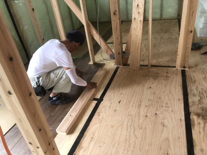 フローリングの施工です。|郡山市 新築住宅 大原工務店のブログ