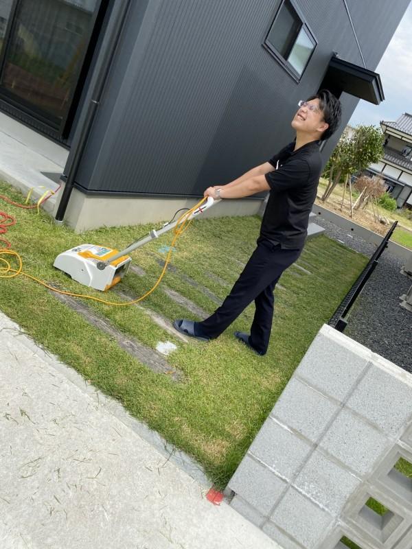 モデルハウスの芝刈りをしました。郡山市安積町| 郡山市 新築住宅 大原工務店のブログ