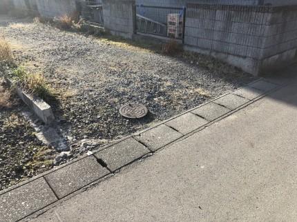 鏡石町の敷地調査で最終汚水桝を確認|郡山市 新築住宅 大原工務店のブログ