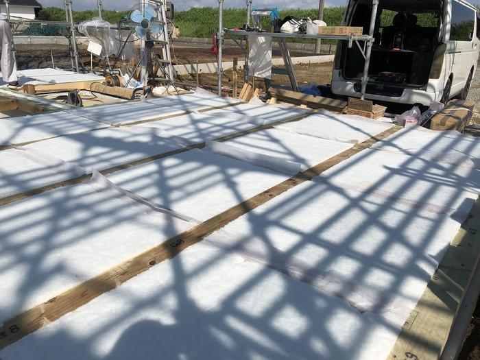 断熱材の充填です。|郡山市 新築住宅 大原工務店のブログ