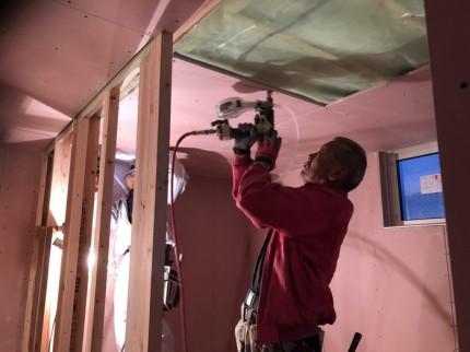 石膏ボードの止付けです。|郡山市 新築住宅 大原工務店のブログ
