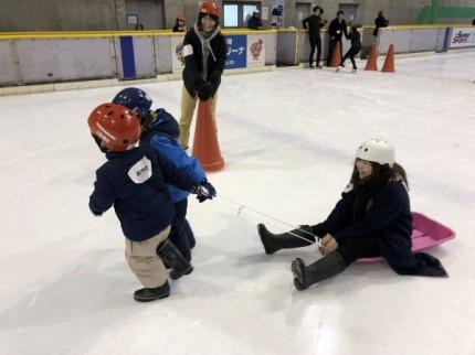 スケートでそり遊びです。|郡山市 新築住宅 大原工務店のブログ
