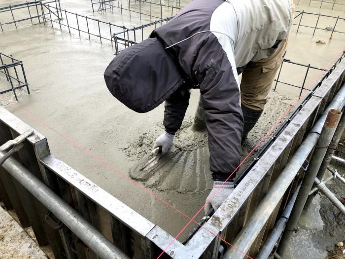 コテを使って仕上げていきます 須賀川市森宿 |郡山市 新築住宅 大原工務店のブログ