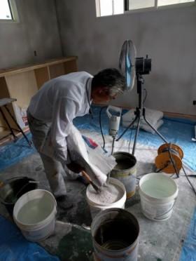 壁・天井の漆喰塗です。郡山市安積町 新築住宅 モデル工事です。