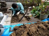 配管を探して穴を掘る。|郡山市 新築住宅 大原工務店のブログ