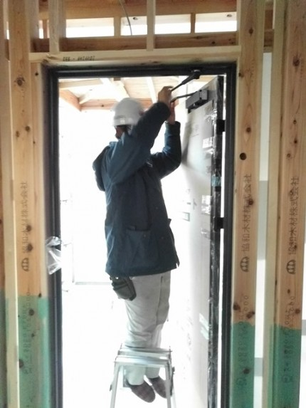 新築の玄関ドアヴェナート取付です。|郡山市 新築住宅 大原工務店のブログ
