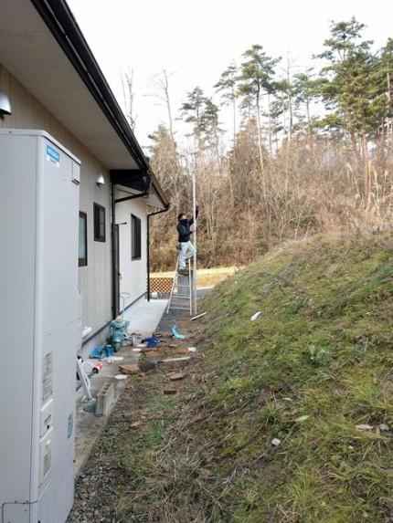 敷地の高低差を測ります。|郡山市 新築住宅 大原工務店のブログ