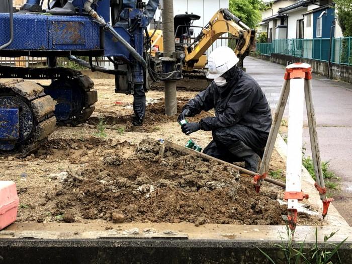 サンプル採取中です。郡山市富田町| 郡山市 新築住宅 大原工務店のブログ