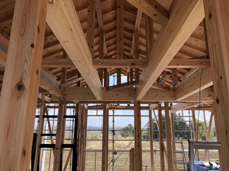 小屋組みも見てもらいました|郡山市 新築住宅 大原工務店のブログ
