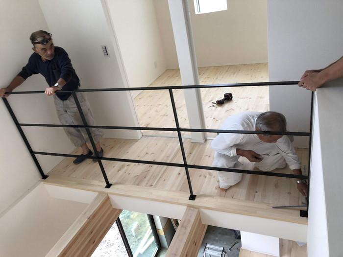 ブラックのアイアン手すりの取り付けです。|郡山市 新築住宅 大原工務店のブログ
