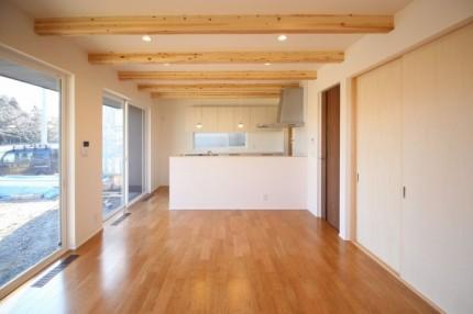ブラックチェリーの床使ったリビングの様子です。郡山市町東| 郡山市 新築住宅 大原工務店のブログ