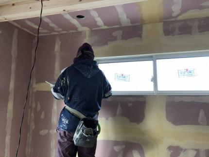 盛っては削りを繰り返します。|郡山市 新築住宅 大原工務店のブログ