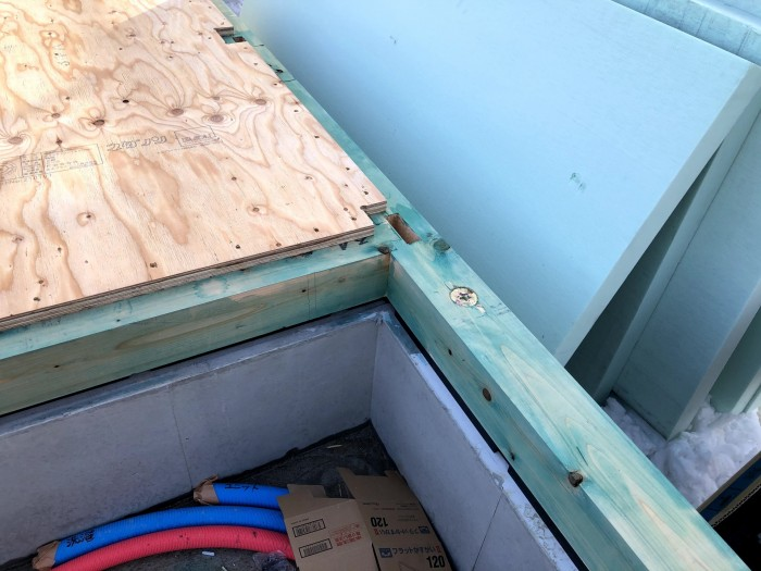 木材に防蟻剤を塗ります。郡山市喜久田町| 郡山市 新築住宅 大原工務店のブログ