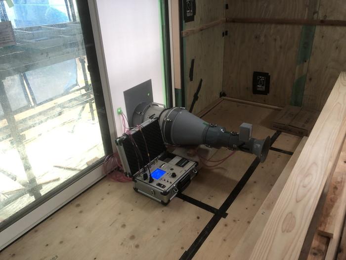 気密測定です。|郡山市 新築住宅 大原工務店のブログ