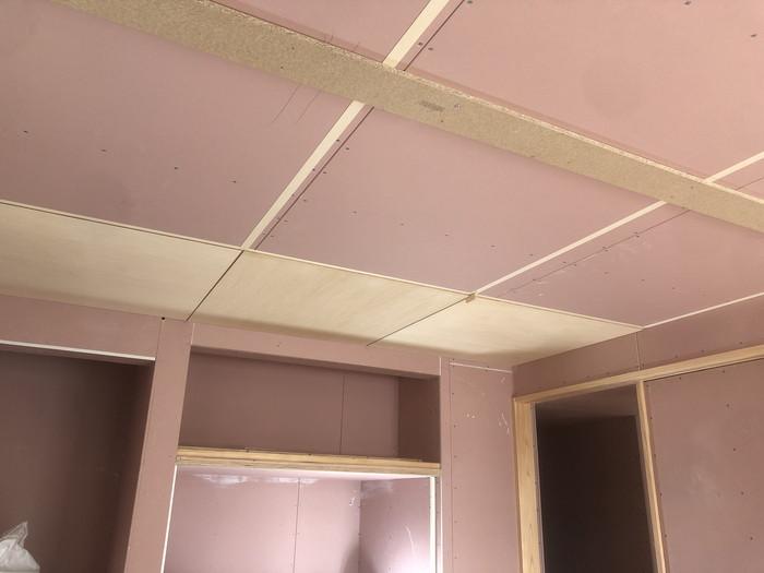 和室の天井施工です。