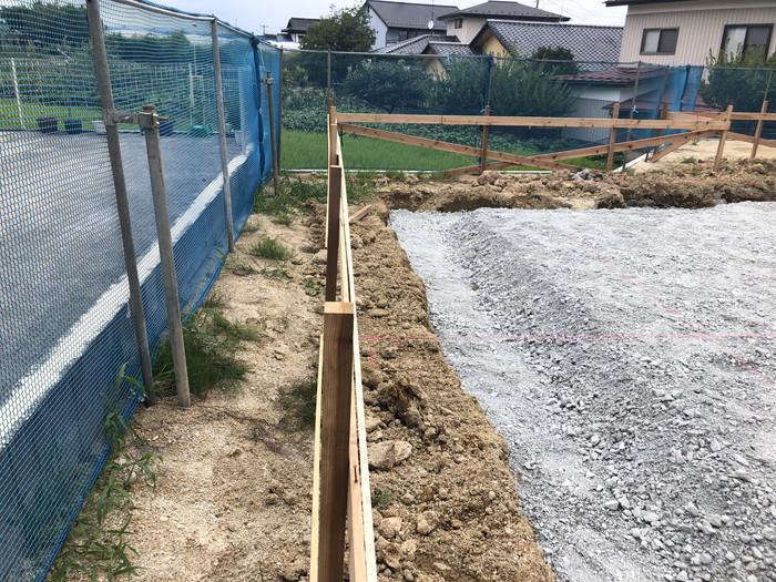 砕石を敷いていきます。須賀川市森宿  郡山市 新築住宅 大原工務店のブログ
