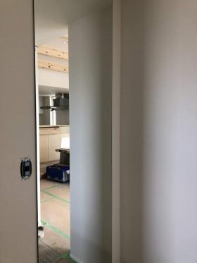 全身鏡の設置です。|郡山市 新築住宅 大原工務店のブログ