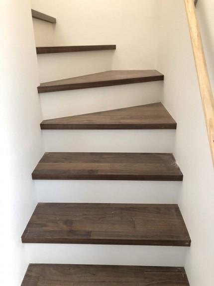 階段の仕上げです。|郡山市 新築住宅 大原工務店のブログ
