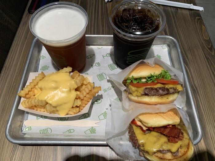 シェイクシャックのハンバーガーです。東京都| 郡山市 新築住宅 大原工務店のブログ