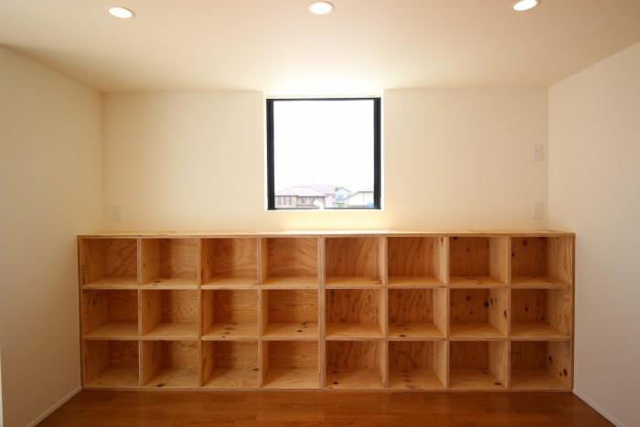 大容量の造作本棚です。|郡山市 新築住宅 大原工務店のブログ