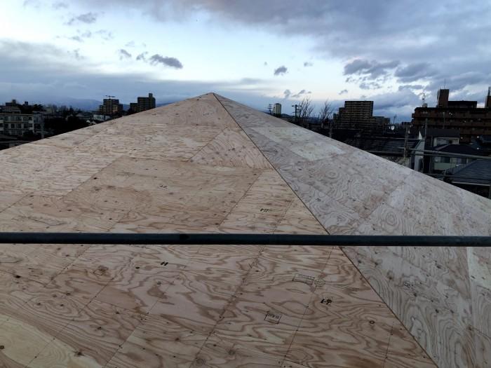 屋根板を張った様子です。郡山市深沢|郡山市 新築住宅 大原工務店のブログ