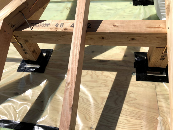 桁上の気密処理です。|郡山市 新築住宅 大原工務店のブログ