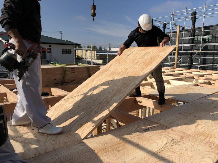 大原工務店の新築モデルハウス 床張りの様子です。郡山市安積町| 郡山市 新築住宅 大原工務店のブログ