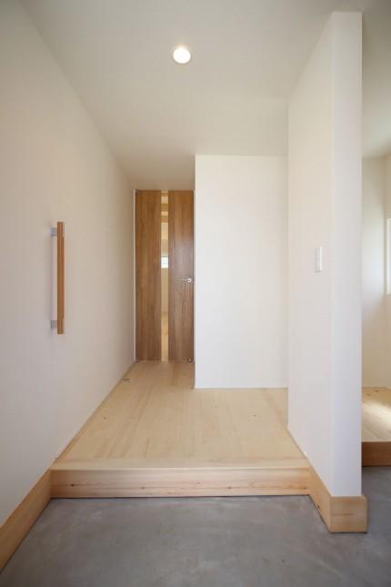 玄関から室内に入るとこんな感じです。郡山市亀田| 郡山市 新築住宅 大原工務店のブログ