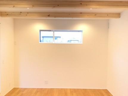 プライバシーを守りながら光を採りいれる高窓です。|郡山市 新築住宅 大原工務店のブログ