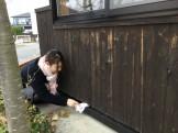 水切りを掃除している鈴木です。|郡山市 新築住宅 大原工務店のブログ