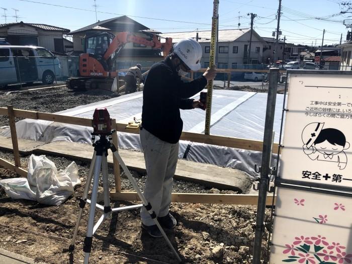貫の高さを測っていきます。郡山市安積町| 郡山市 新築住宅 大原工務店のブログ