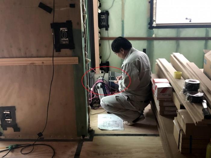 気密検査の様子です。須賀川市森宿| 郡山市 新築住宅 大原工務店のブログ