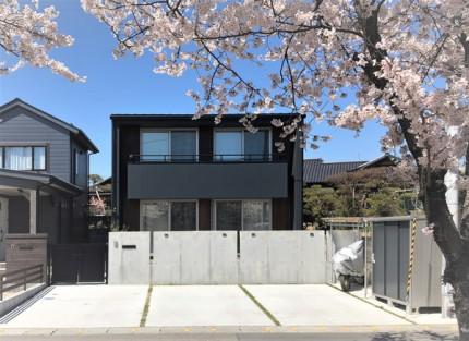 カッコいいキューブ型の黒の外観です。|郡山市 新築住宅 大原工務店のブログ