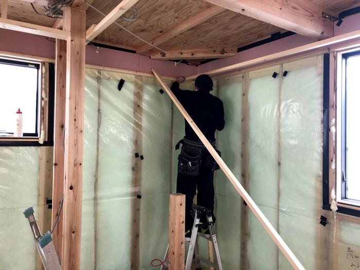 壁の石膏ボードを施工していきます。須賀川市森宿| 郡山市 新築住宅 大原工務店のブログ