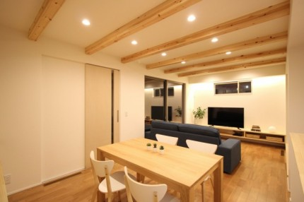 大原工務店で建てた平家モデルハウスのリビングです。郡山市安積町| 郡山市 新築住宅 大原工務店のブログ