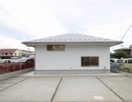 寄棟屋根のカッコいい平家です。郡山市安積町  郡山市 新築住宅 大原工務店のブログ