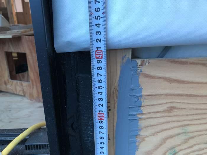 寄棟の自社モデルハウスでは、サッシが取り付けられております。郡山市安積町| 郡山市 新築住宅 大原工務店のブログ