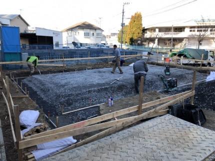 べた基礎の砕石転圧終了です。|郡山市 新築住宅 大原工務店のブログ