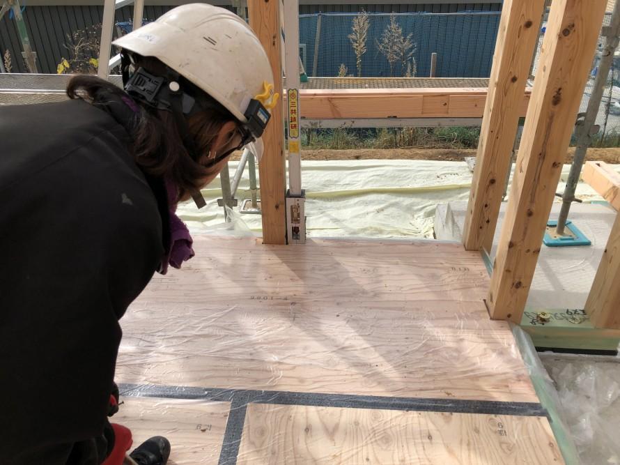 防風下げ振りで屋直し中|郡山市 新築住宅 大原工務店のブログ