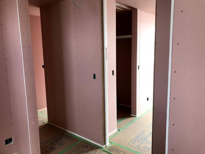 ホルムアルデヒドを吸収分解する壁です。須賀川市森宿| 郡山市 新築住宅 大原工務店のブログ