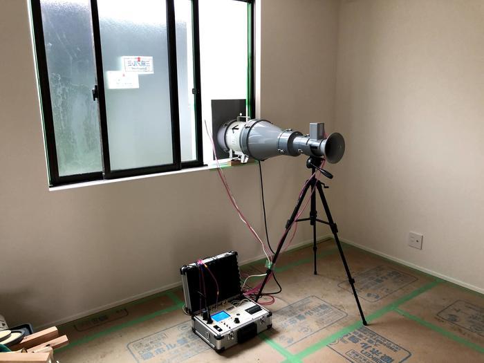 新築住宅の気密測定です。