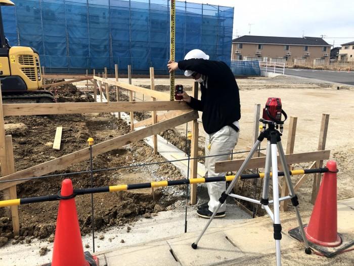 丁張の高さを測ります 郡山市東原 |郡山市 新築住宅 大原工務店のブログ