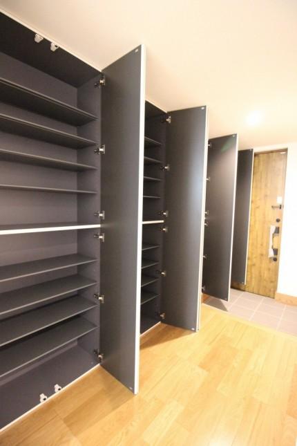 玄関収納が大容量です。福島県会津若松市  郡山市 新築住宅 大原工務店のブログ
